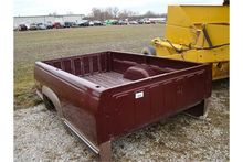 8' bed, good tailgate, fits 199