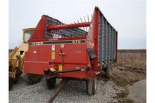 Gehl silage wagon (damaged on r