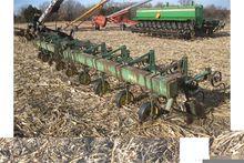JD RM 3 pt. 8 row cultivator