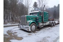Freightliner 1987 Semi Truck.