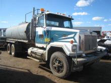 1990 GMC T/A 100 BBL WATER TRUC