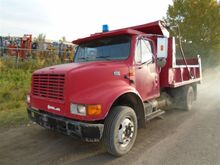 1995 International 4700 S/A DUM