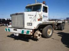 1996 Western Star 4884F CAB AND
