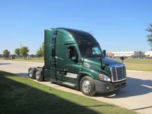 2014 Conventional Truck w/ Slee