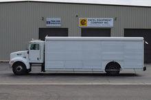 2005 PETERBILT 335 Truck - Gene