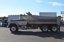 1995 MACK RD688S Truck - Dump