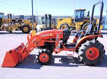 2015 KUBOTA B3350SUHSD Tractor
