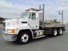2001 MACK CH613 Truck - Flatbed
