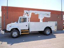 2000 FREIGHTLINER FL70 Truck -