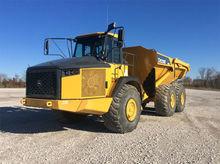 2013 JOHN DEERE 410E Truck - Ri