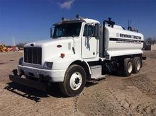2001 PETERBILT 330 Truck - Wate