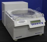 Eppendorf Vacufuge Plus Model 5