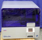 Qiagen QIAcube Automated Liquid