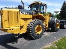 Used 2010 DEERE 824K
