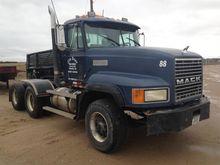1996 MACK CL713