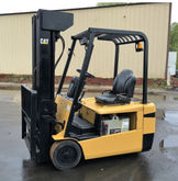 CAT 4000lb 3 Wheel Electric