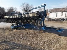 Used KINZE 2300 in A