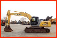 2005 New Holland E 215 LC 02741