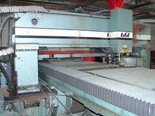 1987 40 ton / 200 amp Whitney M
