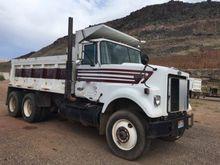 1986 AUTOCAR Dump Truck