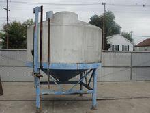 1000 gallon vertical, conical B