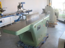 Surface planer with vertical dr