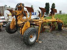 MORO 22 TRIVOMERE Ploughs