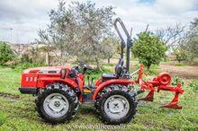 2015 CARRARO 3200 Vineyard trac