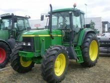 2001 JOHN DEERE 6510 Agricultur