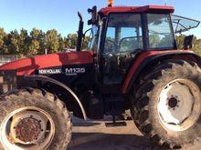 1996 NEW HOLLAND M135 Agricultu