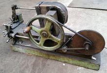 Šraňkovací stroj na pásové pily