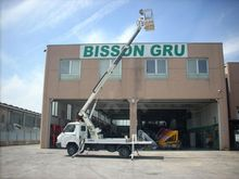 1995 Truck-Mounted Boom Lifts :