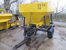 NIDO S-2003 S Salt Spreader Tra
