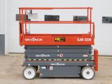 Used Skyjack Scissor Lifts for sale | Machinio