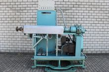1980 Single screw extruder bost