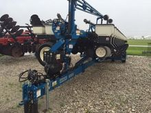 Used KINZE 3600 in M