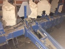 Used KINZE 3000 in O