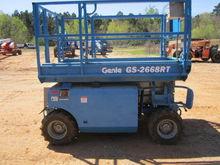 2001 GENIE GS 2668RT