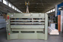 Press for veneering LEOPIDA