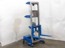 Genie Lift GL-8 Material Lifter