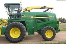 2005 John Deere 7700