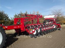 Seed Drill - : AGCO-WHITE WP882