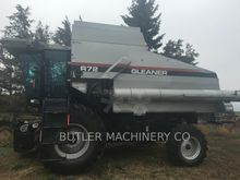 2002 Gleaner R72 Combine harves