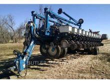 Seed Drill - : KINZE 3700