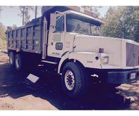 2000 Volvo Dump Truck