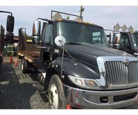 2004 International 4400 Flatbed