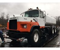 1993 Mack DM690 Water Tank Truc