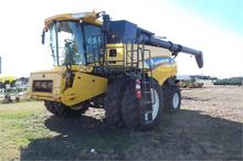 Used 2014 HOLLAND CR