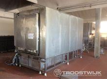 Steam washing plant for trolley
