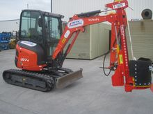 MINI DIGGER WITH POST DRIVER FO